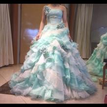 プリンセスラインのドレスが多かったです。