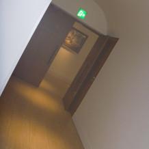 チャペルに向かう廊下