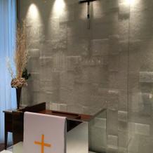 チャペルの司祭台
