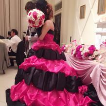 カラードレスはBarbieをきました。