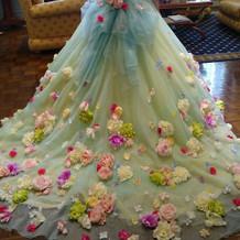 試着したカラードレス1背面