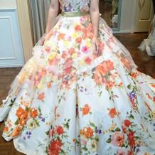挙式当日のカラードレス正面