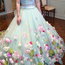 試着したカラードレス1正面