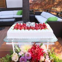 ガーデンでのケーキカット