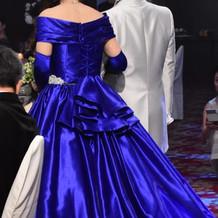 お色直しはブルーのカラードレスでした♪