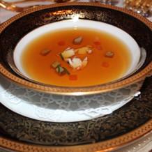 スープはサーブされます
