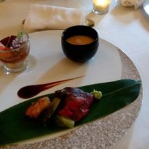 前菜と茶碗蒸しとメインのお肉です。
