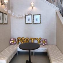 階段横も飾れる