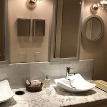 お手洗い 鏡にメッセージを書けます