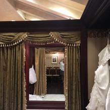 試着室の内装も素敵