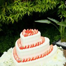 お庭でのケーキカット