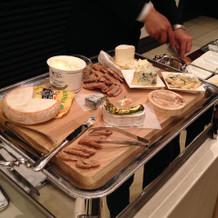 オプションのチーズビュッフェ