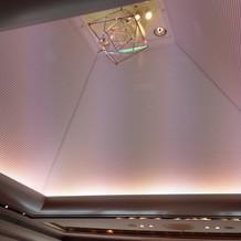 天井が高く開放的。