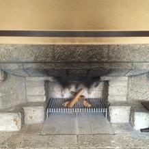 暖炉(火はつけられないそうです)