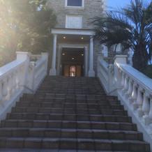 大きな階段