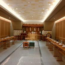 神殿 1番明るい式場