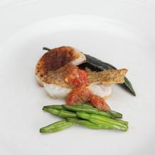 鮮魚のポワレ トマトとケッパーのソース