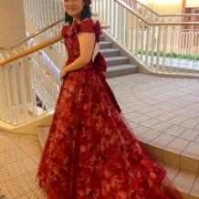 人生初のカラードレス