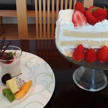 ウエディングケーキ、デザート