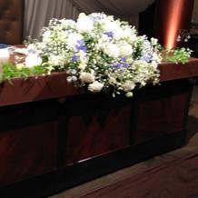 新郎新婦席の花