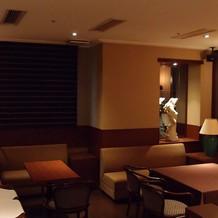 披露宴控え室2