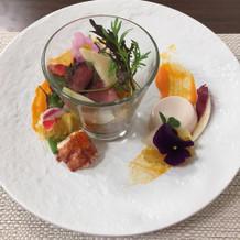 ローストビーフとオマール海老の前菜