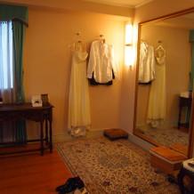 フィッティングルームは夫婦共用です。