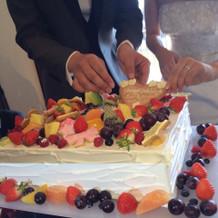 ゲストに飾り付けをしてもらったケーキ