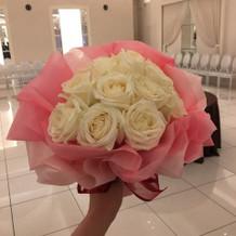 ブーケトスの花束