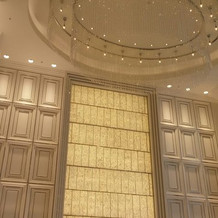 天井が高く、キラキラです。