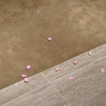 フラワーシャワーの跡