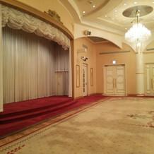 一番広いお部屋!余興の舞台!