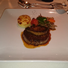 牛フィレ肉とフォアグラの共演
