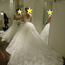 似合うドレスを選んでくれます