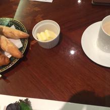 マッシュルームのスープとパン