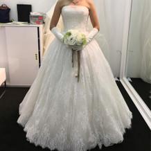 こちらは東京店のドレス