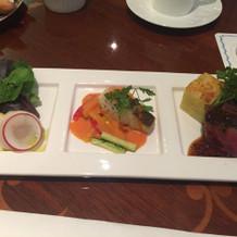 前菜・魚・牛ステーキの試食