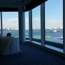 海が見えるベイビューの披露宴会場