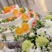 アレンジしたウェディングケーキ