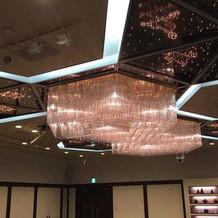 天井の照明が星になっていて素敵です。