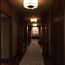 披露宴会場への廊下です