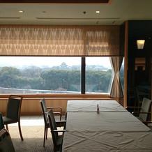親族控え室と眺め 岡山城など見えます。