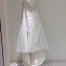 新婦本番ウェディングドレス