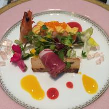 華やかな魚料理です。