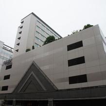 式場建物です。