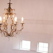天井のシャンデリアが素敵です