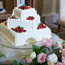 ベリーのウエディングケーキ。