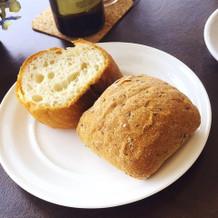 バゲットと胡麻パン。特筆なし