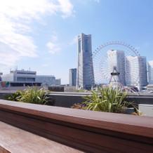 みなとみらいの景色が存分に楽しめる屋上!