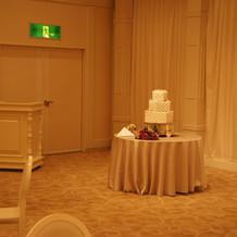 披露宴会場(クラシック)ケーキ
